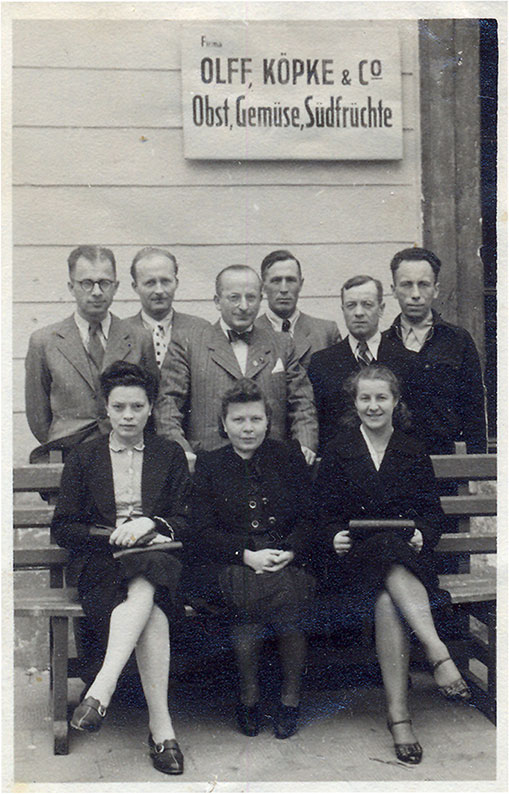 As a manager of a fruit and vegetable collection point (second from the left), his later wife Maria sitting first from the left, 1942–1945